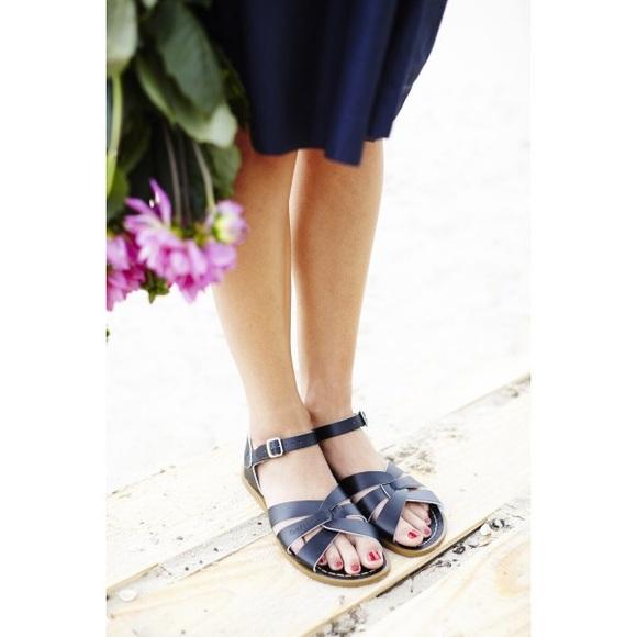 eff595442104e Salt Water Sandals by Hoy Shoes | Euc Navy Womens Salt Water Sandals ...